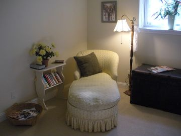 Cozy sitting room, great for afternoon nap or a curl up with a good book.