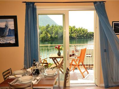 Newly built apartment for 4 people close to the beach in Ossuccio