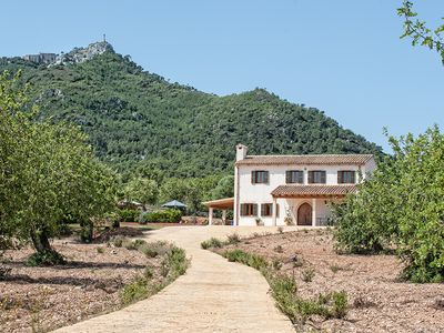 Beautiful Villa with private Saltwater Pool, multiple Terraces, close to Golf