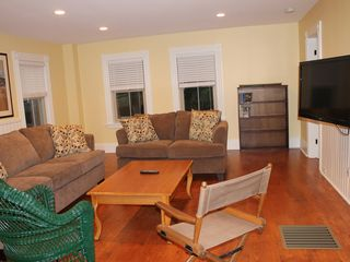 Ogunquit house photo - Living area with flat screen hdtv, 200+ cable channels and wifi throughout home.