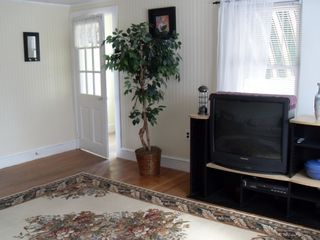Hyannis - Hyannisport house photo - Large Comfy Livingroom w/ 32in Color Tv Great For The Family