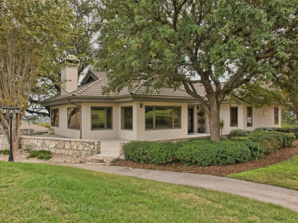 Vacation rentals near pedernales falls state park johnson for Texas cottage