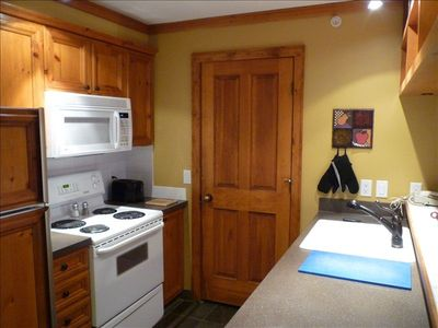 Full Kitchen, Dishwasher and Pantry with Washer/ Dryer