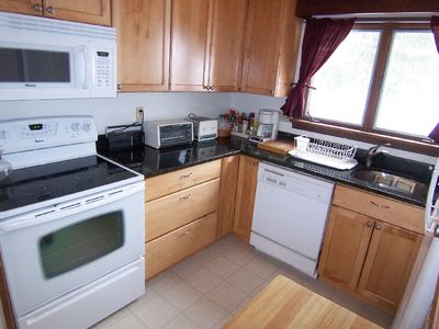 Fully equipped granite countertop all new kitchen