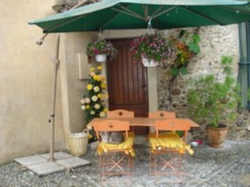 Quaint restaurant in Haute' Cagnes