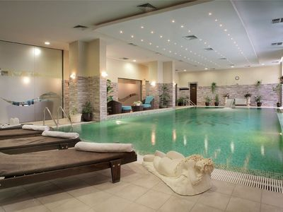 2 bed apartment in 5* hotel complex with indoor pool & spa