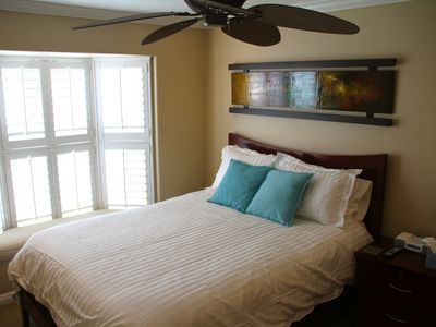 Mission Beach condo rental - Guest bedroom...all rooms have plasma TV's