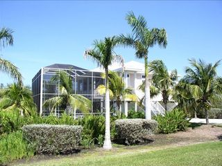 Key west style home 3 bedroom 2 bath wit vrbo for Bath house key west