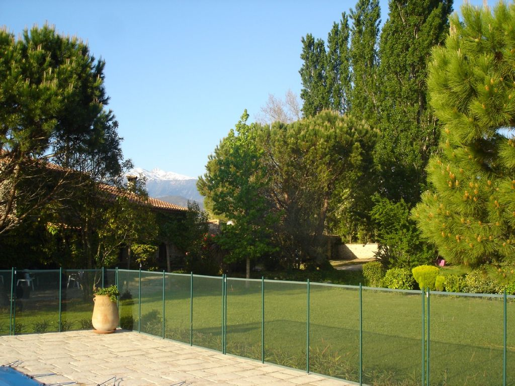 Accommodation near the beach, 400 square meters, , Rodcs, Languedoc-Roussillon