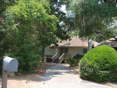 Secluded and private End Unit, easy access to pool and beach!