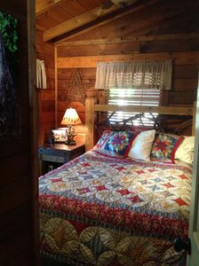 True log bed - queensize