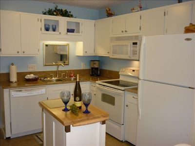 Kitchen completely remodled w/ granite countertp/new appliances