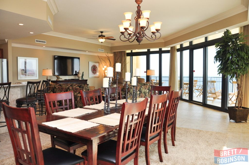 Spacious, Comfortable 4 Bedroom 4.5 Bath Condo W/ Panoramic Views from Every Roo