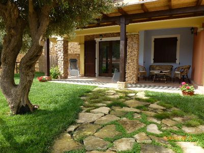 House with garden in a perfect location only 500 meters from the sea 2 beds