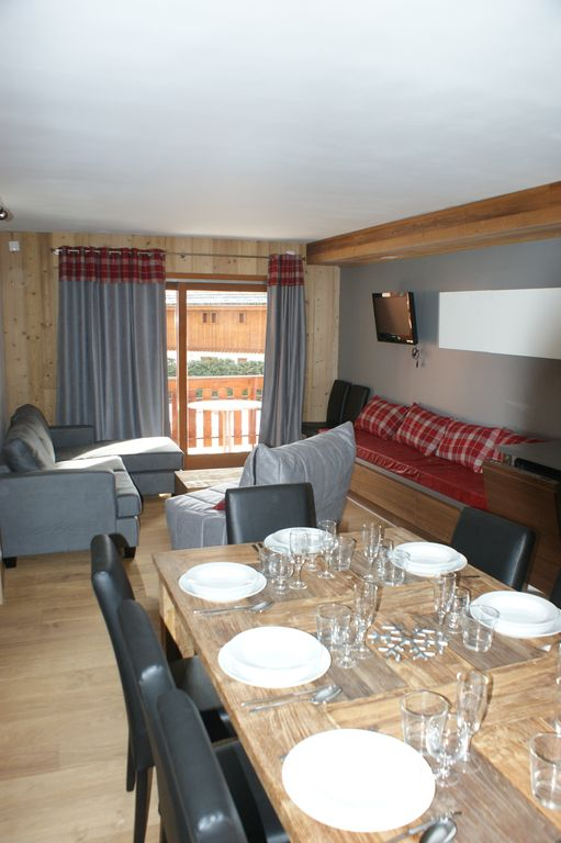 APARTMENTS FOR 8 PEOPLE, SOUTH FACING, renovated in 2014, THREE VALLEYS - LES BALCONS   2.1