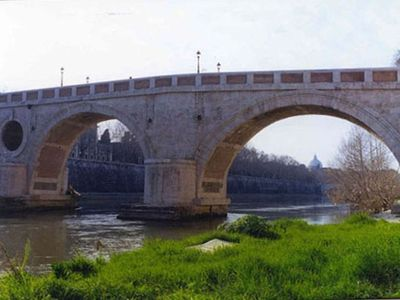 Trastevere area condo rental - BRIDGE PONTE SISTO