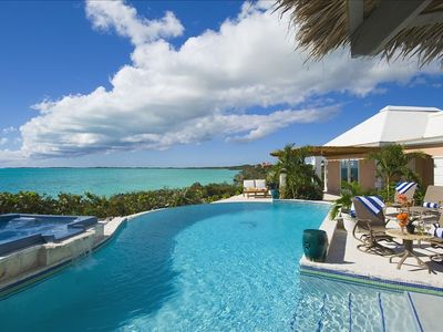 Providenciales - Provo villa rental - Stunning pool and patio