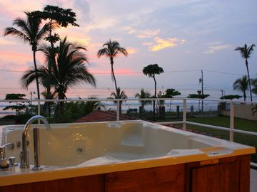Ocean View Jacuzzi & Spa on 1 of 5 balconies