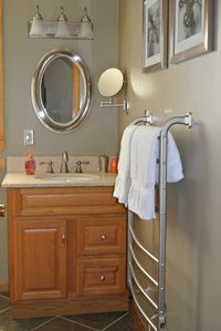 Harbor Springs house rental - Upper Level Bathroom