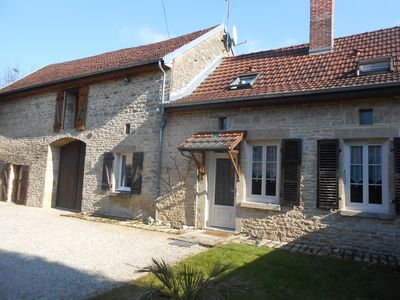 Comfortable house in the countryside near Chablis and Champagne