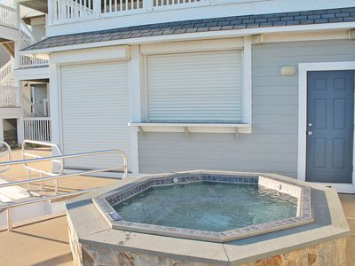 8 person hot tub to relax all will ocean views