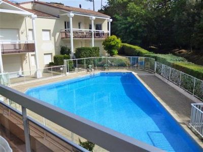 WALKING DISTANCE TO BEACH AND TOWN CENTRE! Appartment with pool!