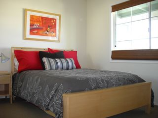 Palm Springs condo photo - Guest bedroom with double bed