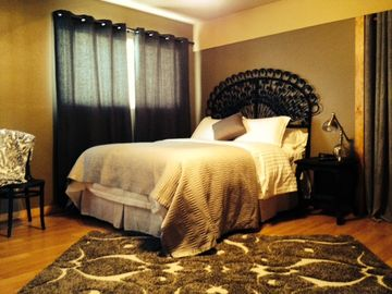 Pagosa Springs apartment rental - Romantic back bed room. includes 32' TV.