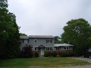 Hampton Bays house photo - Spacious house in friendly neighborhood