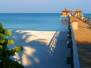 Old Naples house rental - Naples Pier - Luxury Cottage Rental - Walk to Beach & Fifth Ave !.