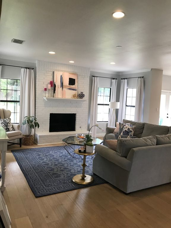 Stunning Westlake Home - 5 miles from downtown