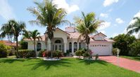 Villa Angel, prime location, pool, salt water canal. Boaters Dream!