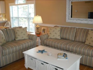 Forest Dunes villa rental - Living room with new furniture, flat screen TV, DVD player and VCR.