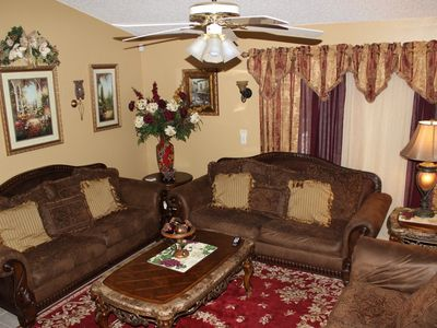 FAMILY ROOM WITH BIG TV AND SEATING FOR 8 PEOPLE