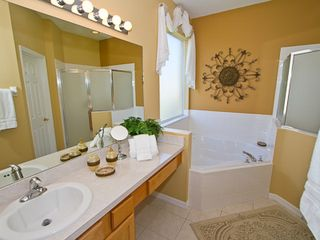 En suite master bathroom - Emerald Island villa vacation rental photo