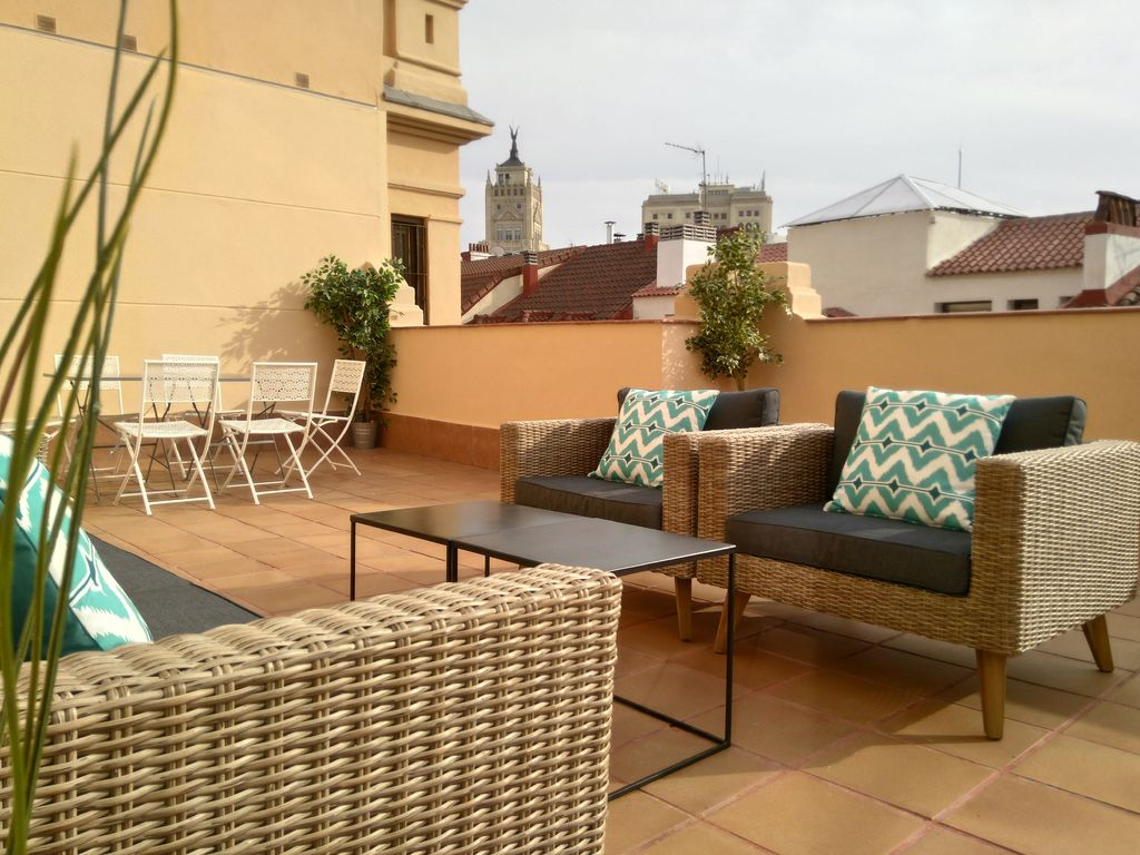 NEW FLAT WITH 4 BEDROOMS, 4 BATHROOMS AND TERRACE