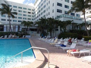 Miami Beach studio photo - Relax and Enjoy the Pool