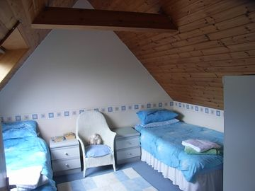 Daisy cottage twin bedroom and baby cot