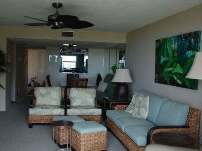 Tommy Bahama look living room.