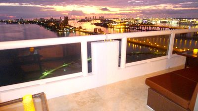 MIAMI Magic Vacation Rental. Venetian Causeway,  Miami Beach, Port of Miami