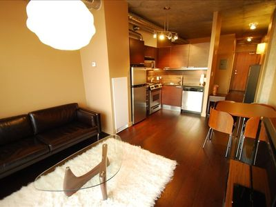 Toronto condo rental - Fully-stocked kitchen with all appliances and utensils