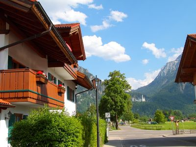Luxuriously furnished apartment with a view of Neuschwanstein and the mountains