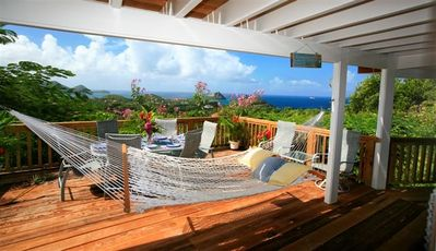 RELAXING ATMOSPHERE WITH VIEW AND HAMMOCK ON MAIN DECK