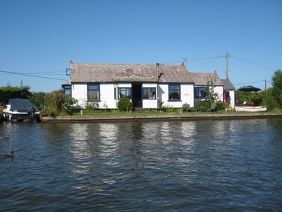 Riverside bungalow in the Norfolk Broads