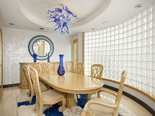 St Pete Beach house photo - Formal dinning room seats 8, fits 10 if needed,