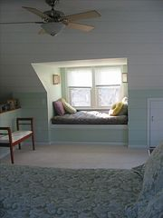 Newport house photo - Master bedroom with cozy window seat