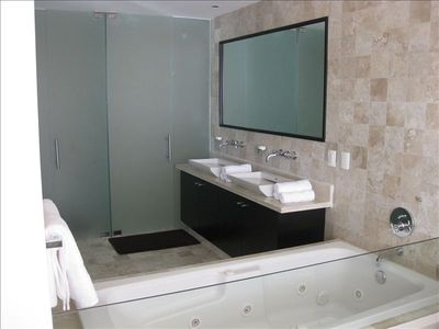 Master Suite Bath includes jacuzzi tub