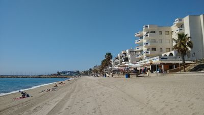 At 50 meters from the sea, air-conditioned, private wifi, satellite, successful holidays!
