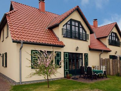 Apartment for 4, directly behind the dyke at the beach of the Baltic Sea
