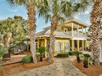 4br / 2.5ba Home in Gated Beach Community of Emerald Shores